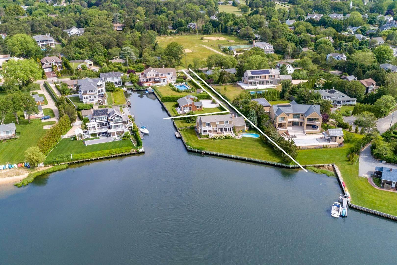 Real Estate at Southampton, NY 11968