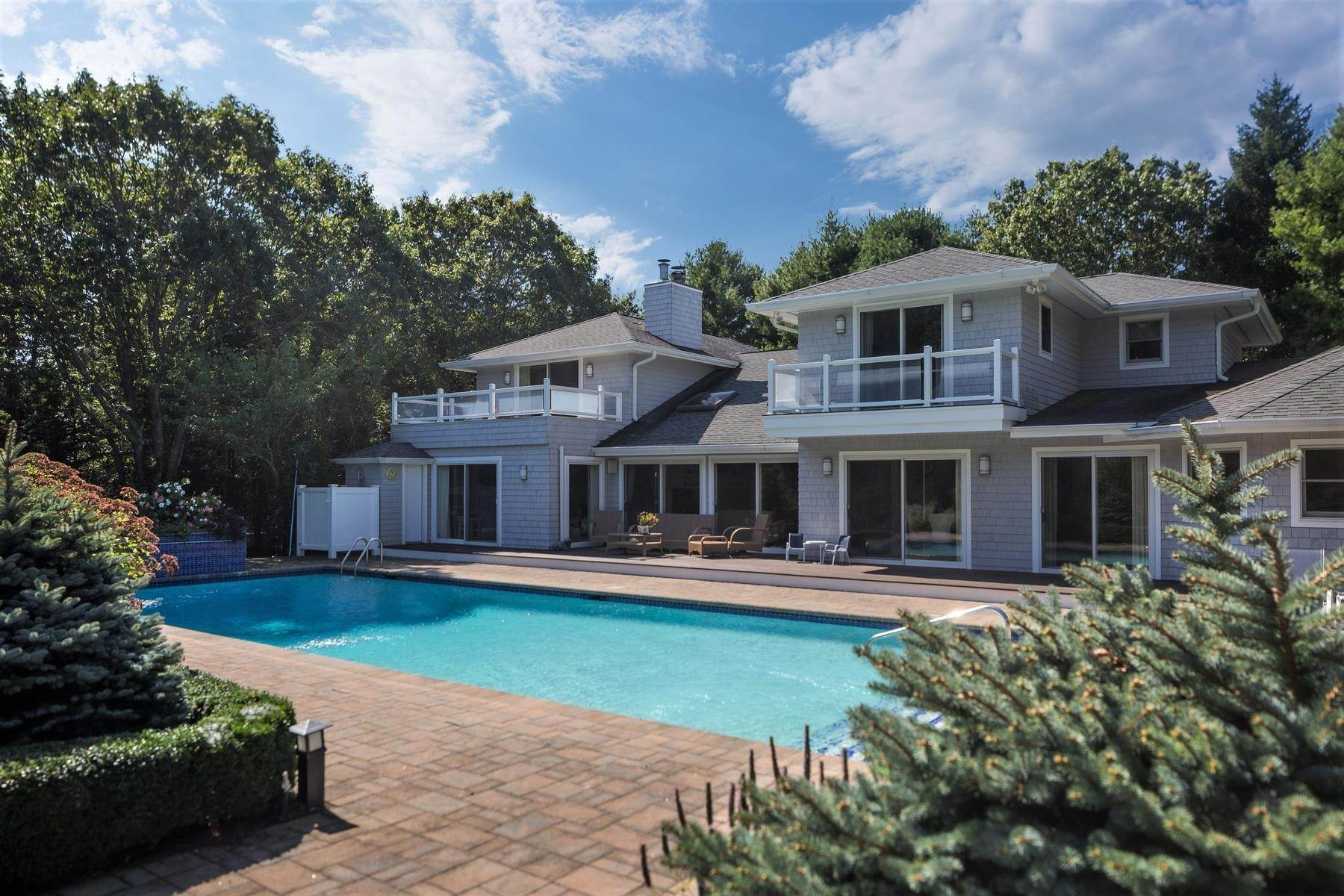 Real Estate at East Quogue, NY 11942