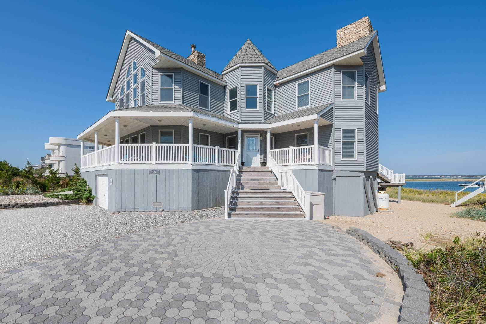 Real Estate at Westhampton Dunes, NY 11978