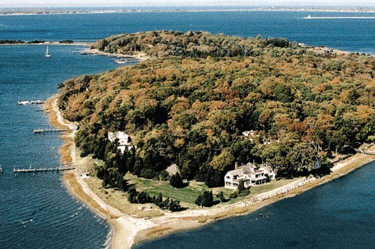 House at Shelter Island, NY 11964