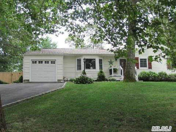 Residential at East Moriches, NY 11940