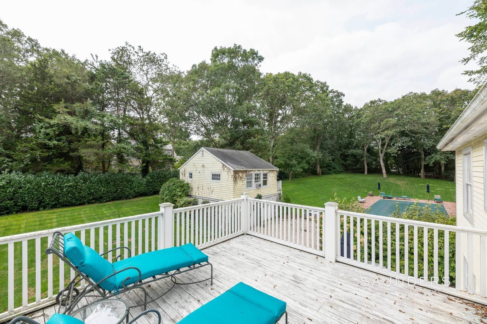 13. Single Family Homes for Sale at East Hampton Village Traditional South Of The Highway 21 Buckskill Road, East Hampton, East Hampton Town, NY 11937