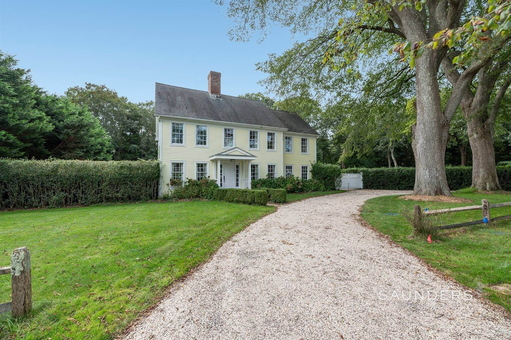 22. Single Family Homes for Sale at East Hampton Village Traditional South Of The Highway 21 Buckskill Road, East Hampton, East Hampton Town, NY 11937