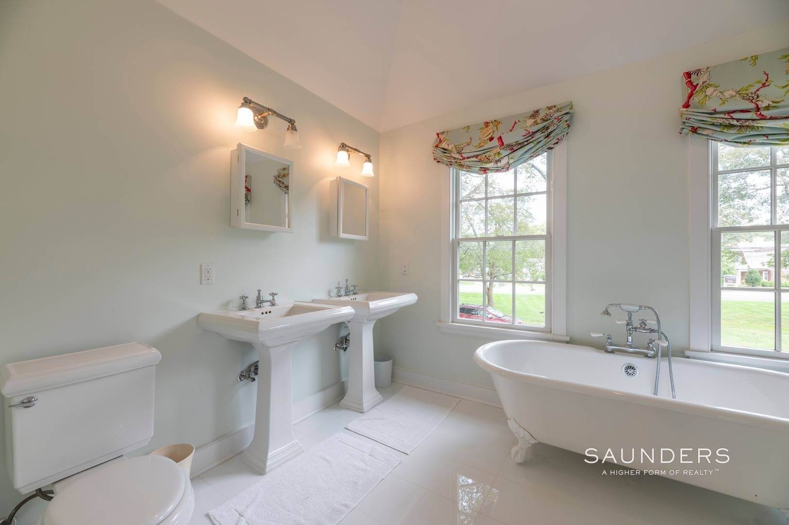 11. Single Family Homes for Sale at East Hampton Village Traditional South Of The Highway 21 Buckskill Road, East Hampton, East Hampton Town, NY 11937