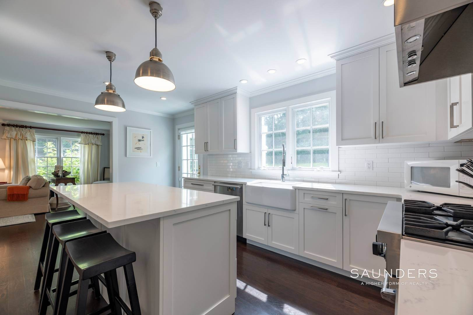 7. Single Family Homes for Sale at East Hampton Village Traditional South Of The Highway 21 Buckskill Road, East Hampton, East Hampton Town, NY 11937