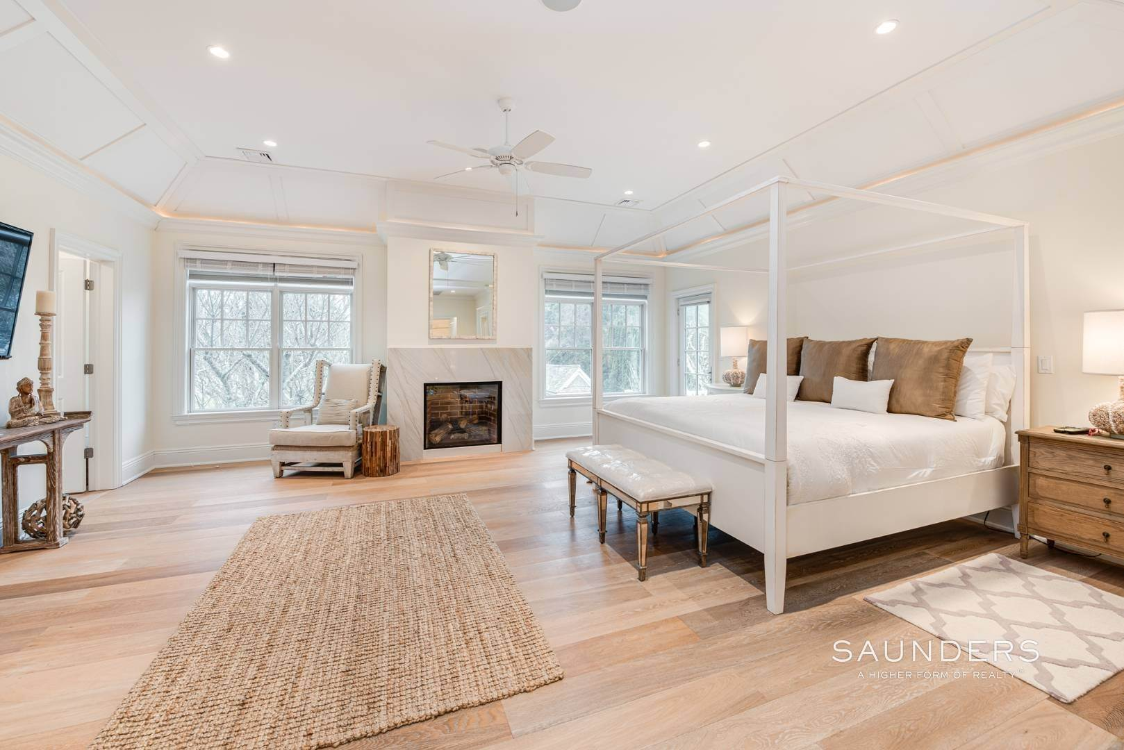 13. Single Family Homes at Elegant In East Hampton 2 Skimhampton Road, East Hampton, East Hampton Town, NY 11937