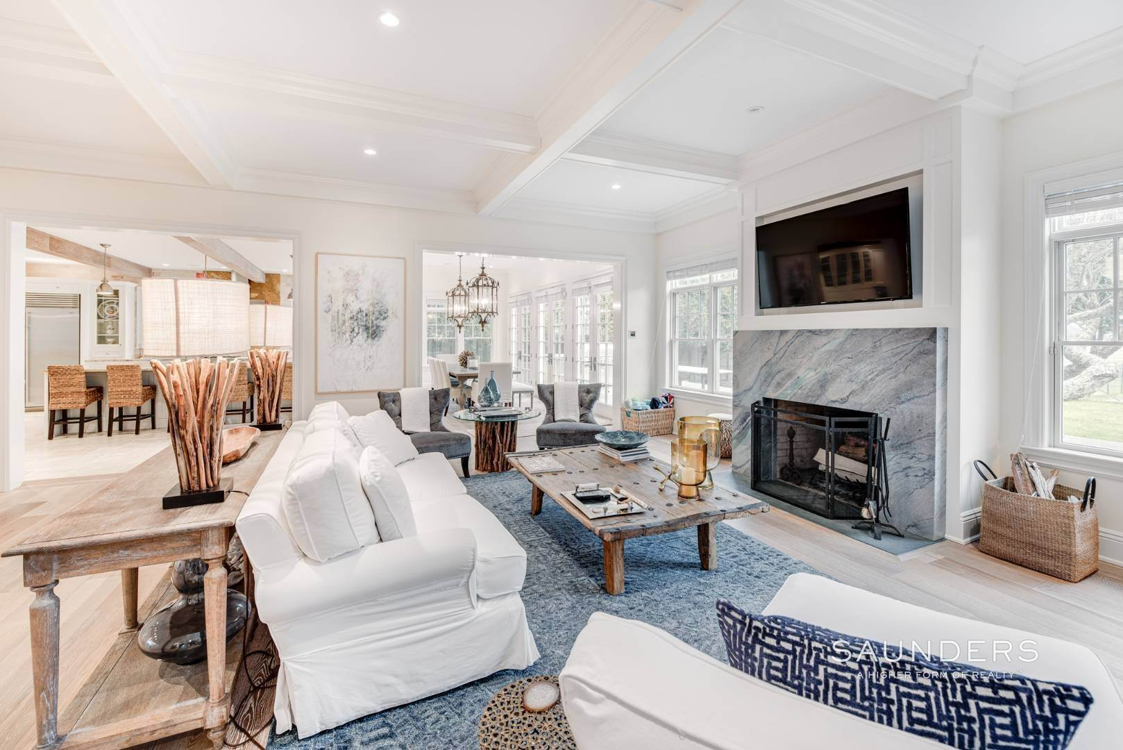 5. Single Family Homes at Elegant In East Hampton 2 Skimhampton Road, East Hampton, East Hampton Town, NY 11937