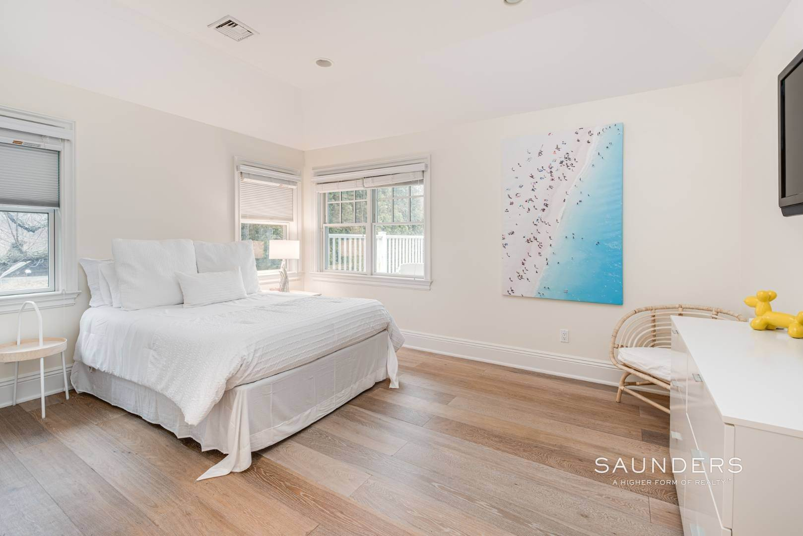 19. Single Family Homes at Elegant In East Hampton 2 Skimhampton Road, East Hampton, East Hampton Town, NY 11937