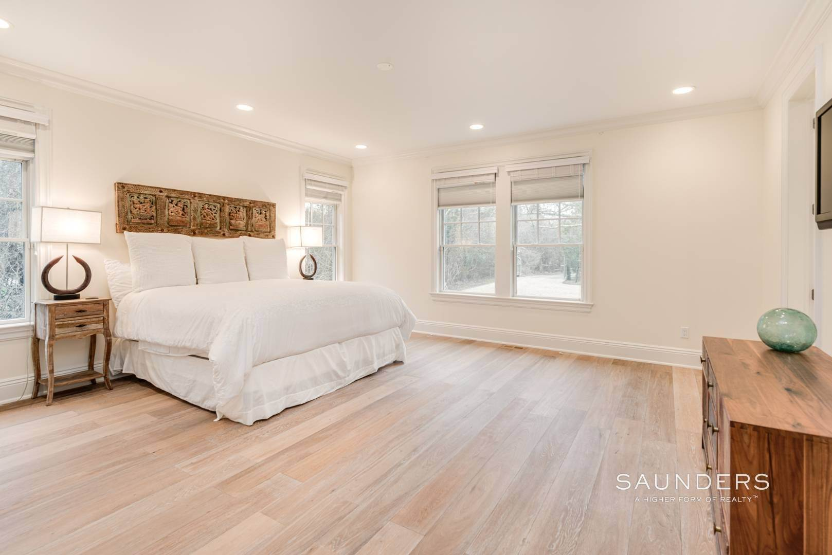 10. Single Family Homes at Elegant In East Hampton 2 Skimhampton Road, East Hampton, East Hampton Town, NY 11937