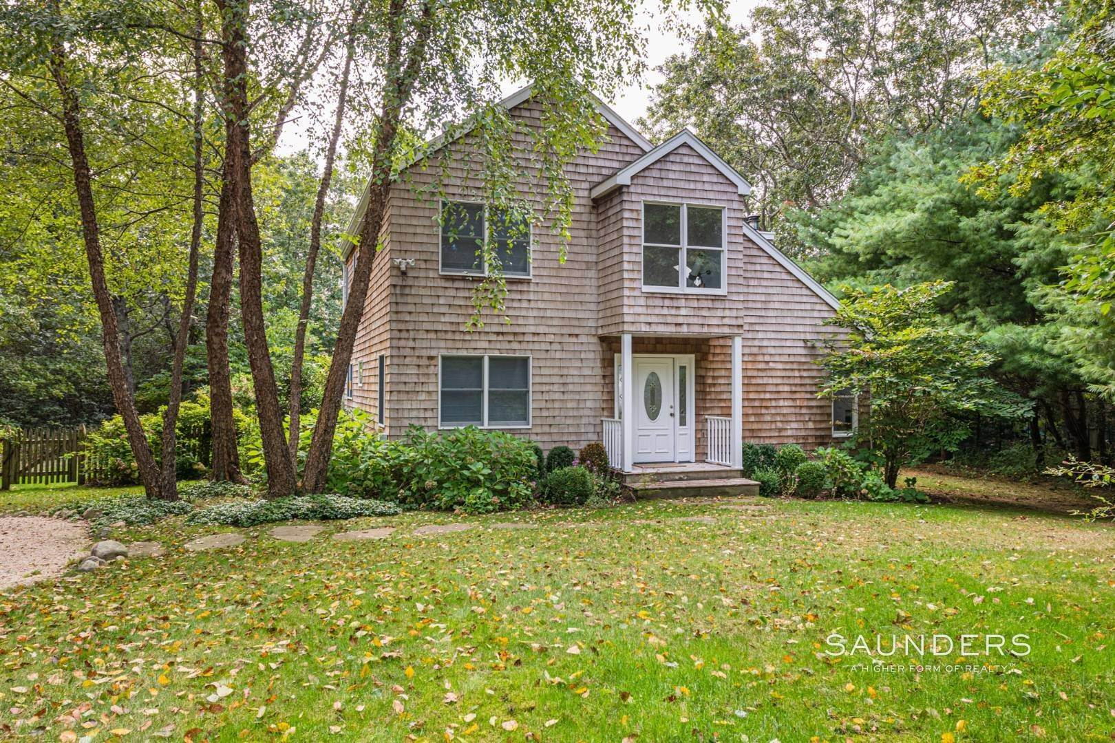 2. Single Family Homes at Sagaponack Traditional For Summer Rental 997 Sagg Road, Sagaponack, Southampton Town, NY 11962