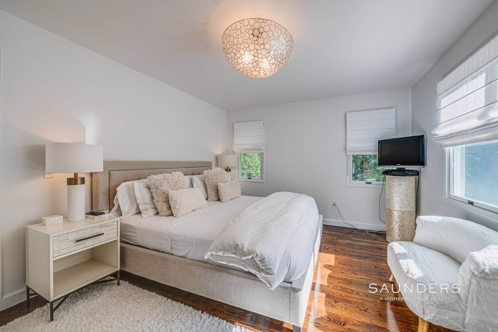 14. Single Family Homes at Sagaponack Traditional For Summer Rental 997 Sagg Road, Sagaponack, Southampton Town, NY 11962