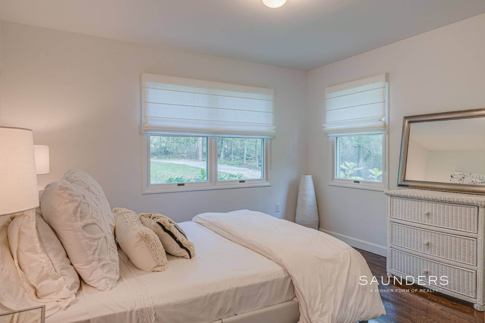11. Single Family Homes at Sagaponack Traditional For Summer Rental 997 Sagg Road, Sagaponack, Southampton Town, NY 11962