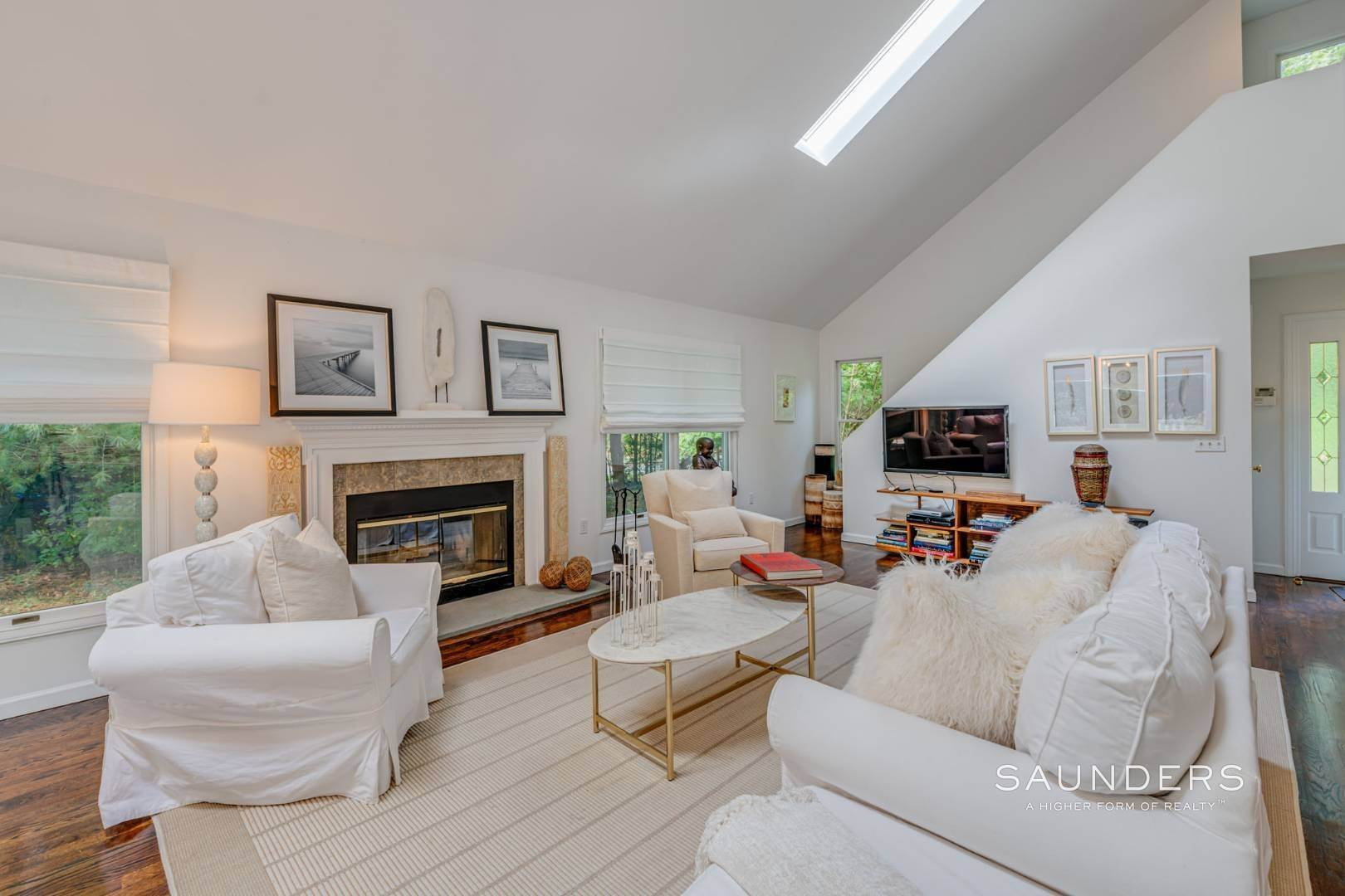 6. Single Family Homes at Sagaponack Traditional For Summer Rental 997 Sagg Road, Sagaponack, Southampton Town, NY 11962