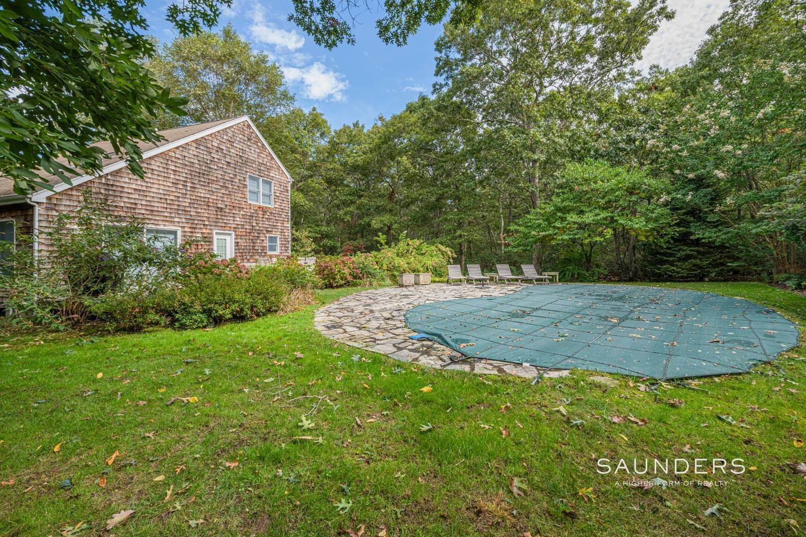 4. Single Family Homes at Sagaponack Traditional For Summer Rental 997 Sagg Road, Sagaponack, Southampton Town, NY 11962