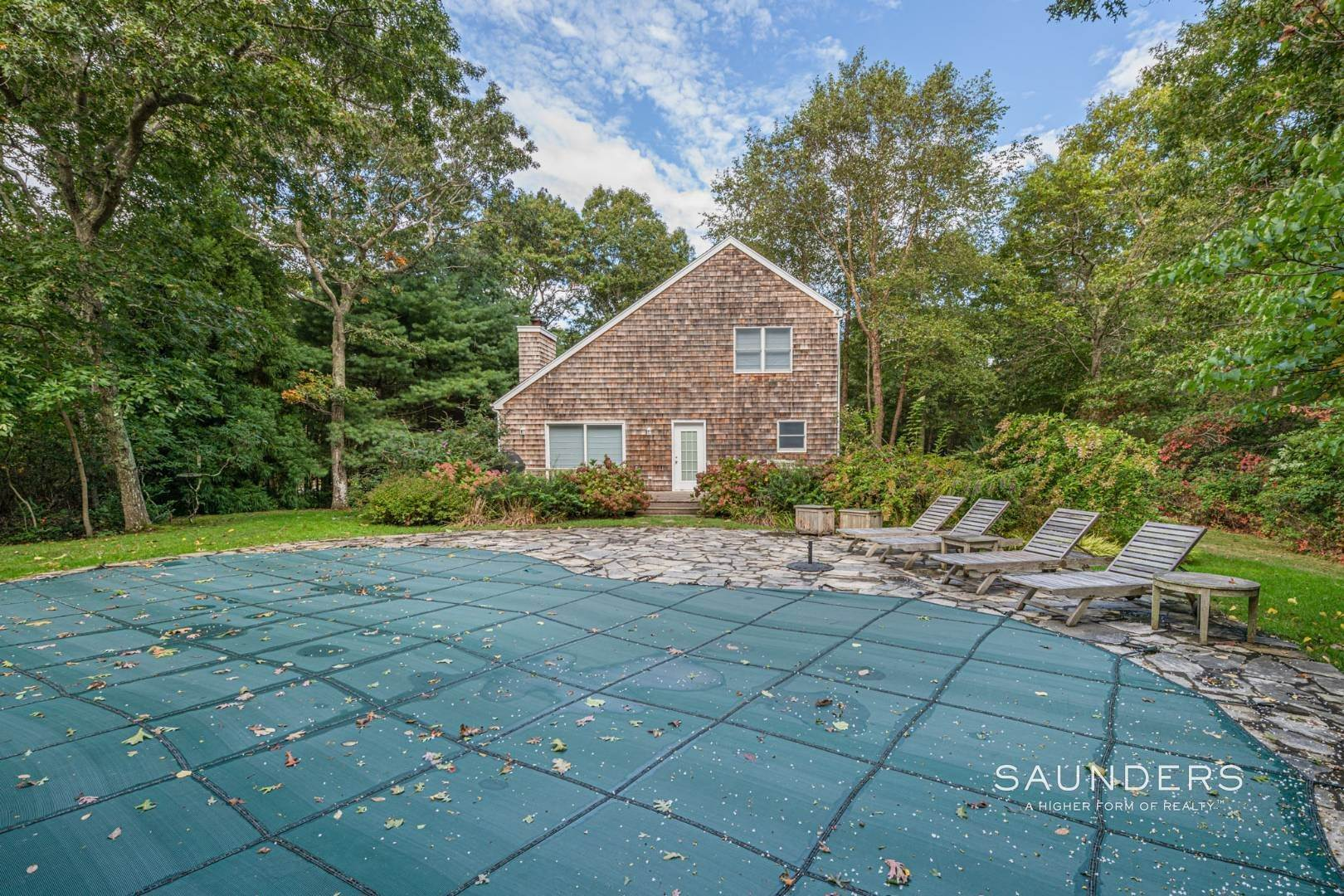 3. Single Family Homes at Sagaponack Traditional For Summer Rental 997 Sagg Road, Sagaponack, Southampton Town, NY 11962