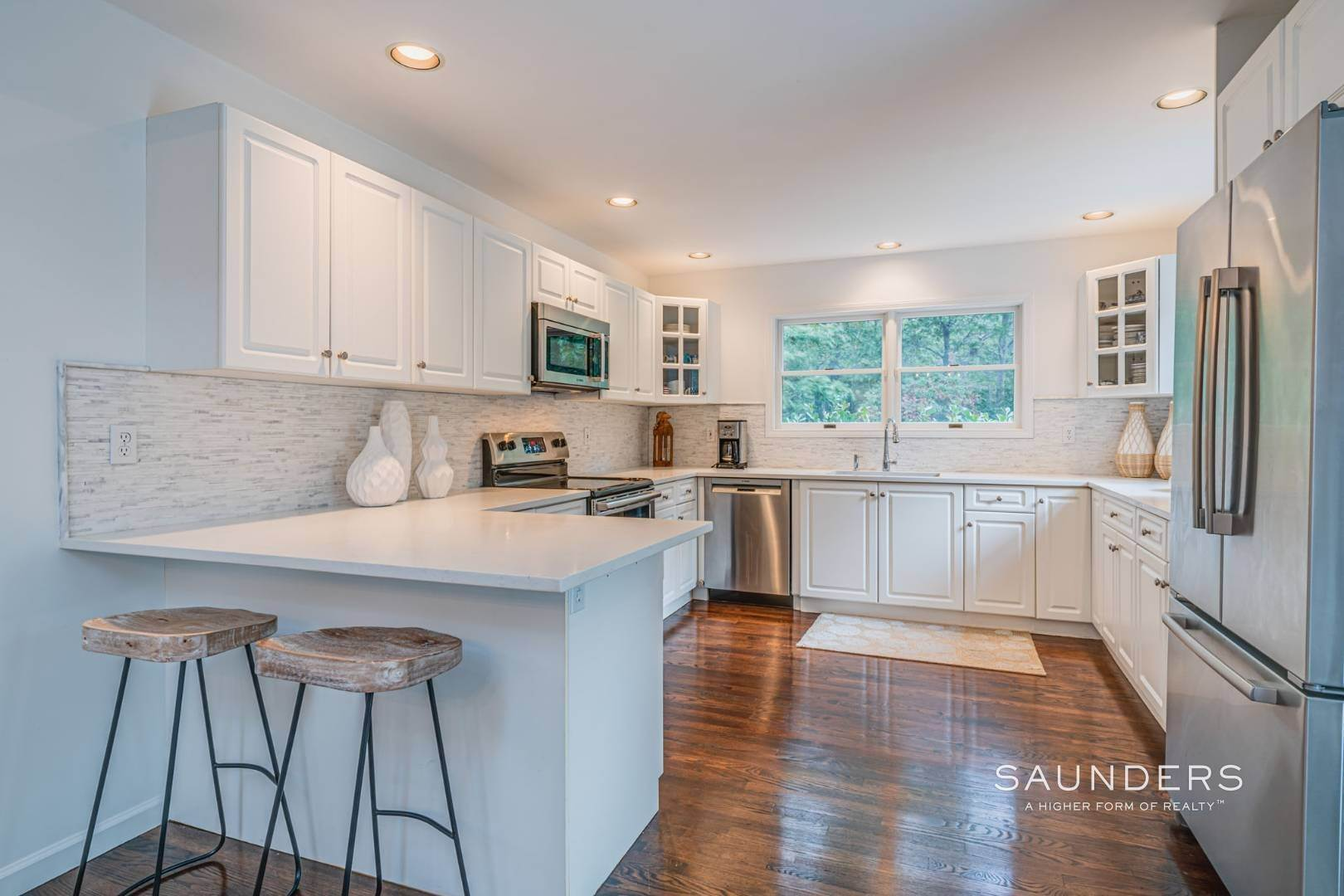 10. Single Family Homes at Sagaponack Traditional For Summer Rental 997 Sagg Road, Sagaponack, Southampton Town, NY 11962