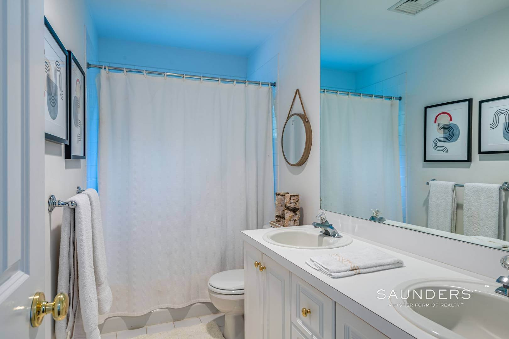 16. Single Family Homes at Sagaponack Traditional For Summer Rental 997 Sagg Road, Sagaponack, Southampton Town, NY 11962
