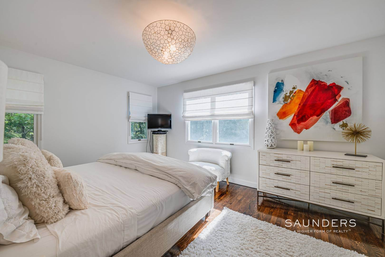 13. Single Family Homes at Sagaponack Traditional For Summer Rental 997 Sagg Road, Sagaponack, Southampton Town, NY 11962