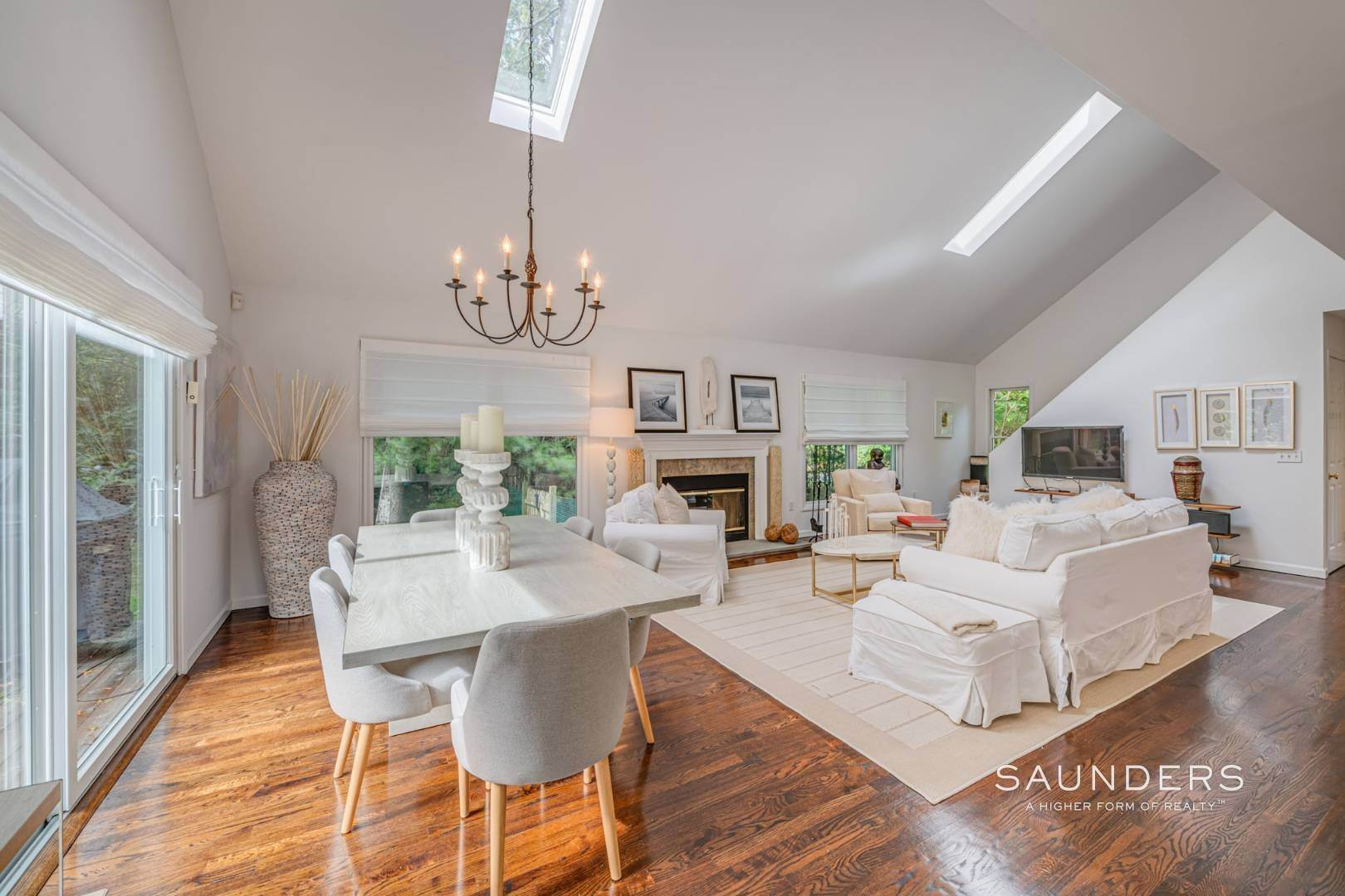 7. Single Family Homes at Sagaponack Traditional For Summer Rental 997 Sagg Road, Sagaponack, Southampton Town, NY 11962