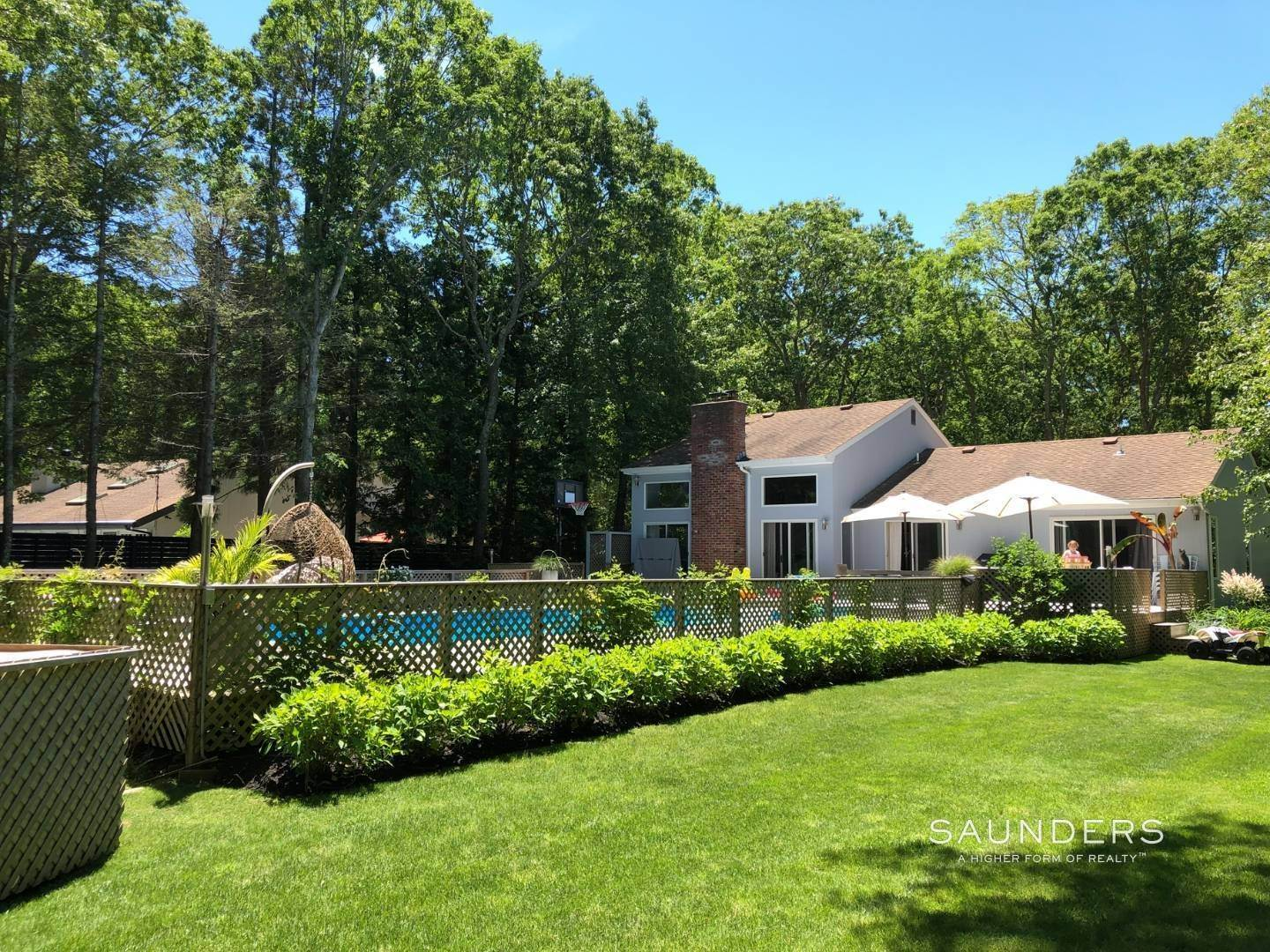2. Single Family Homes at East Hampton Village Fringe - Great Rental East Hampton, East Hampton Town, NY 11937