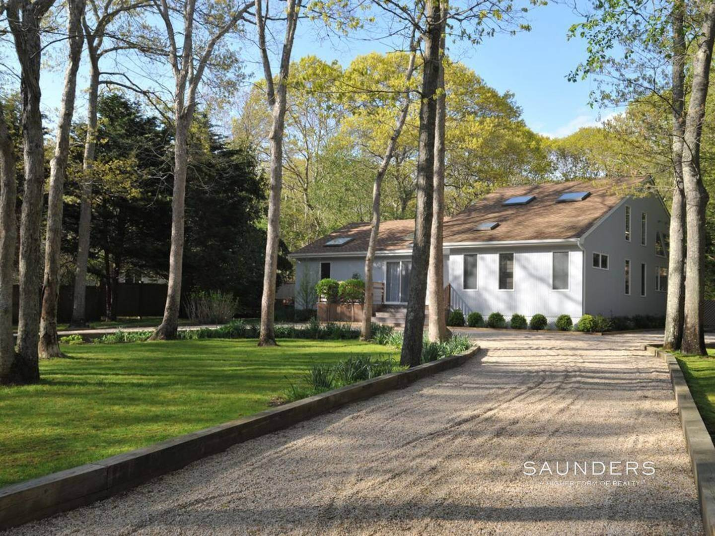 Single Family Homes at East Hampton Village Fringe - Great Rental East Hampton, East Hampton Town, NY 11937
