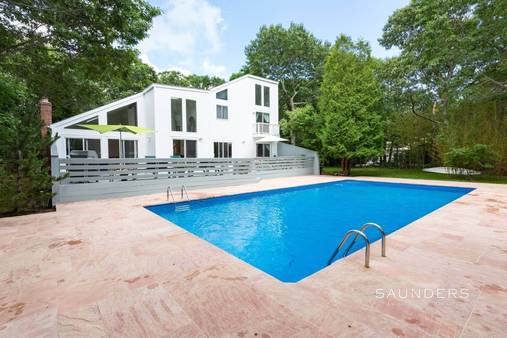 21. Single Family Homes at East Hampton Contemporary Convenient To Village East Hampton, East Hampton Town, NY 11937