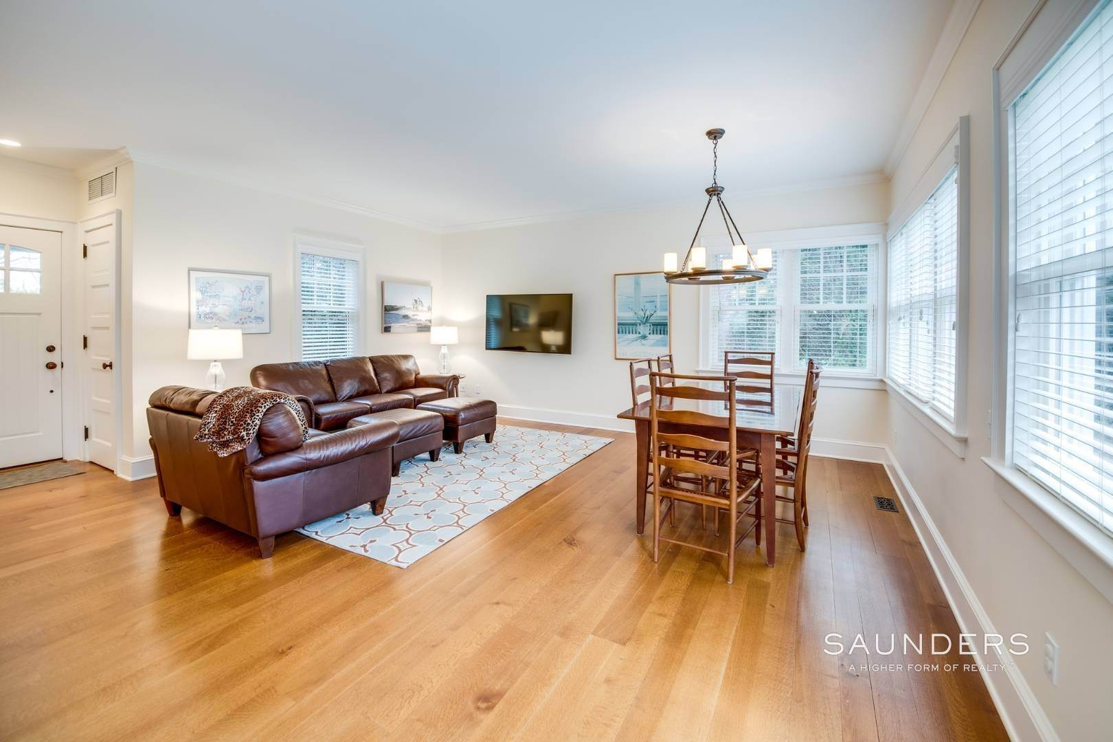 4. Single Family Homes at Immaculate Village Home East Hampton, East Hampton Town, NY 11937