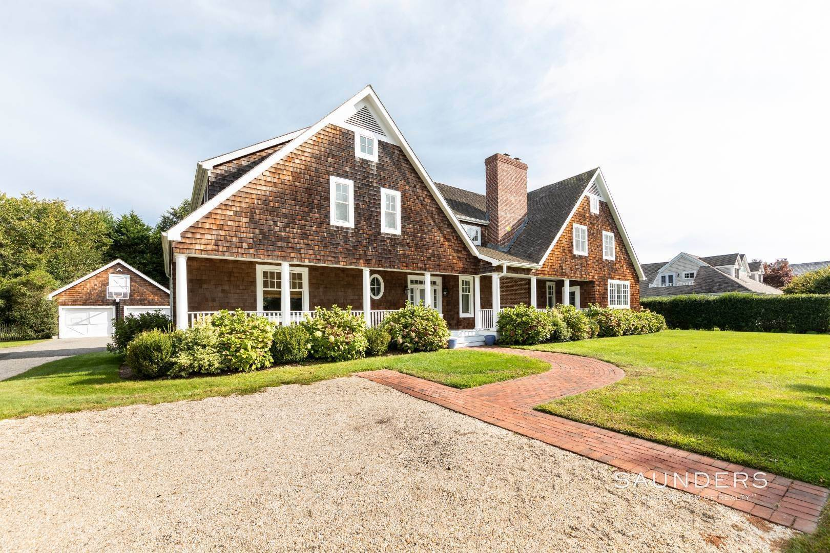 Single Family Homes at Beautiful Village Lane - 2 Weeks East Hampton, East Hampton Town, NY 11937
