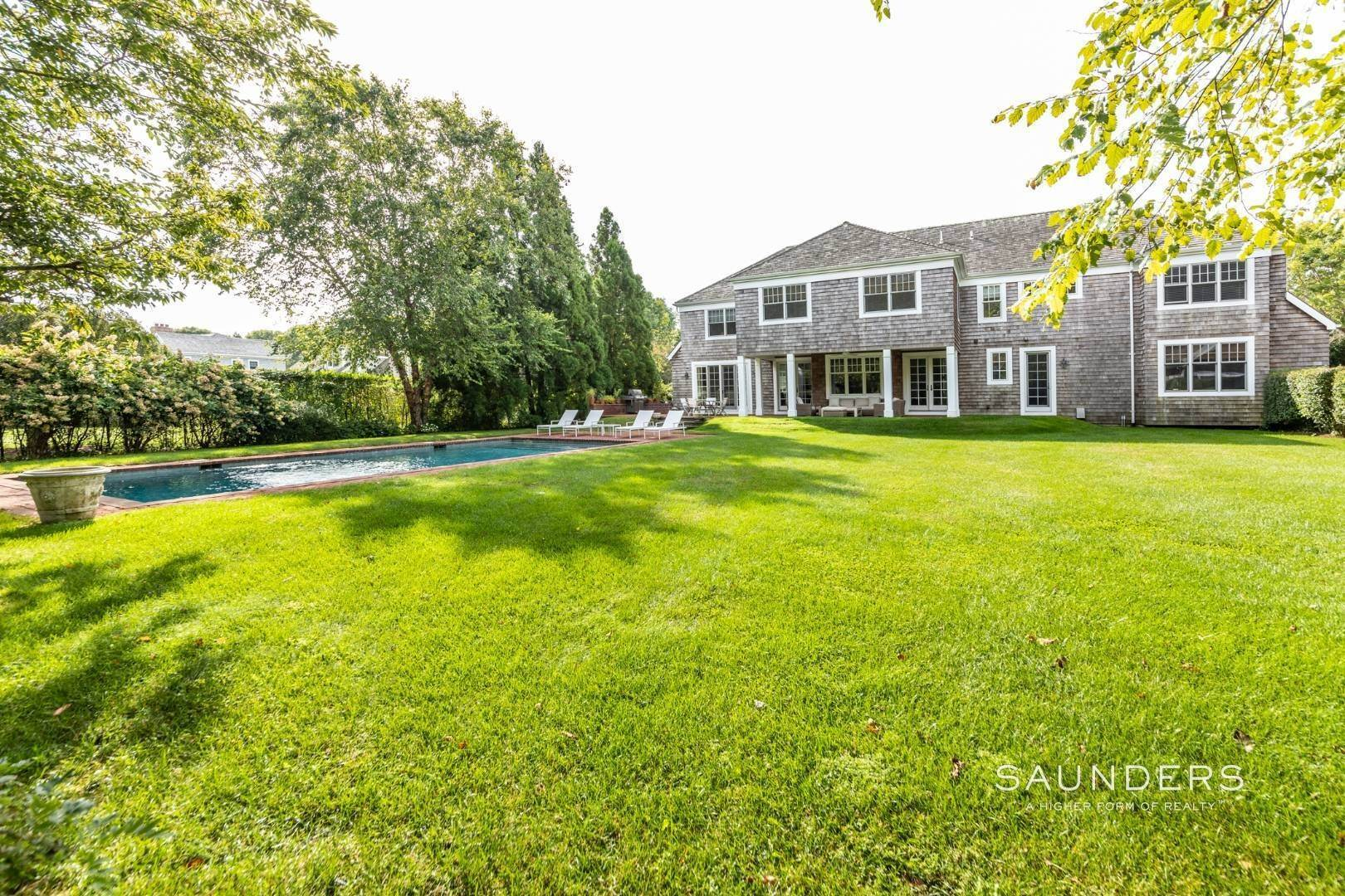 13. Single Family Homes at Beautiful Village Lane - 2 Weeks East Hampton, East Hampton Town, NY 11937