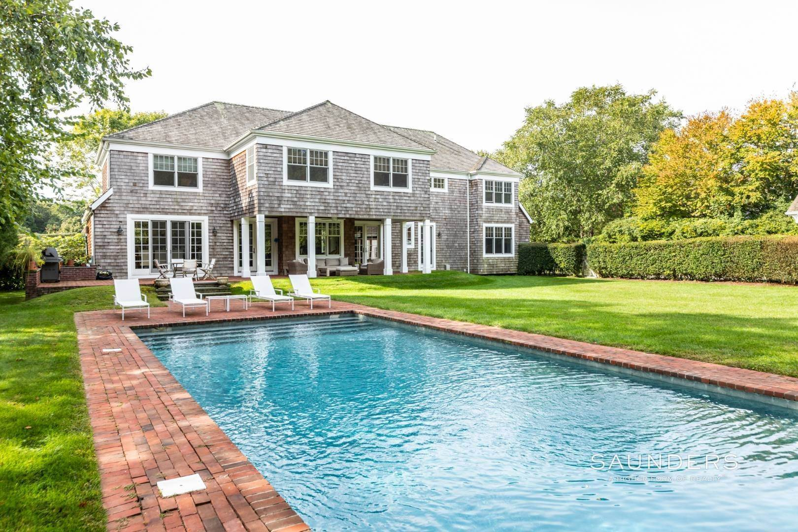 12. Single Family Homes at Beautiful Village Lane - 2 Weeks East Hampton, East Hampton Town, NY 11937