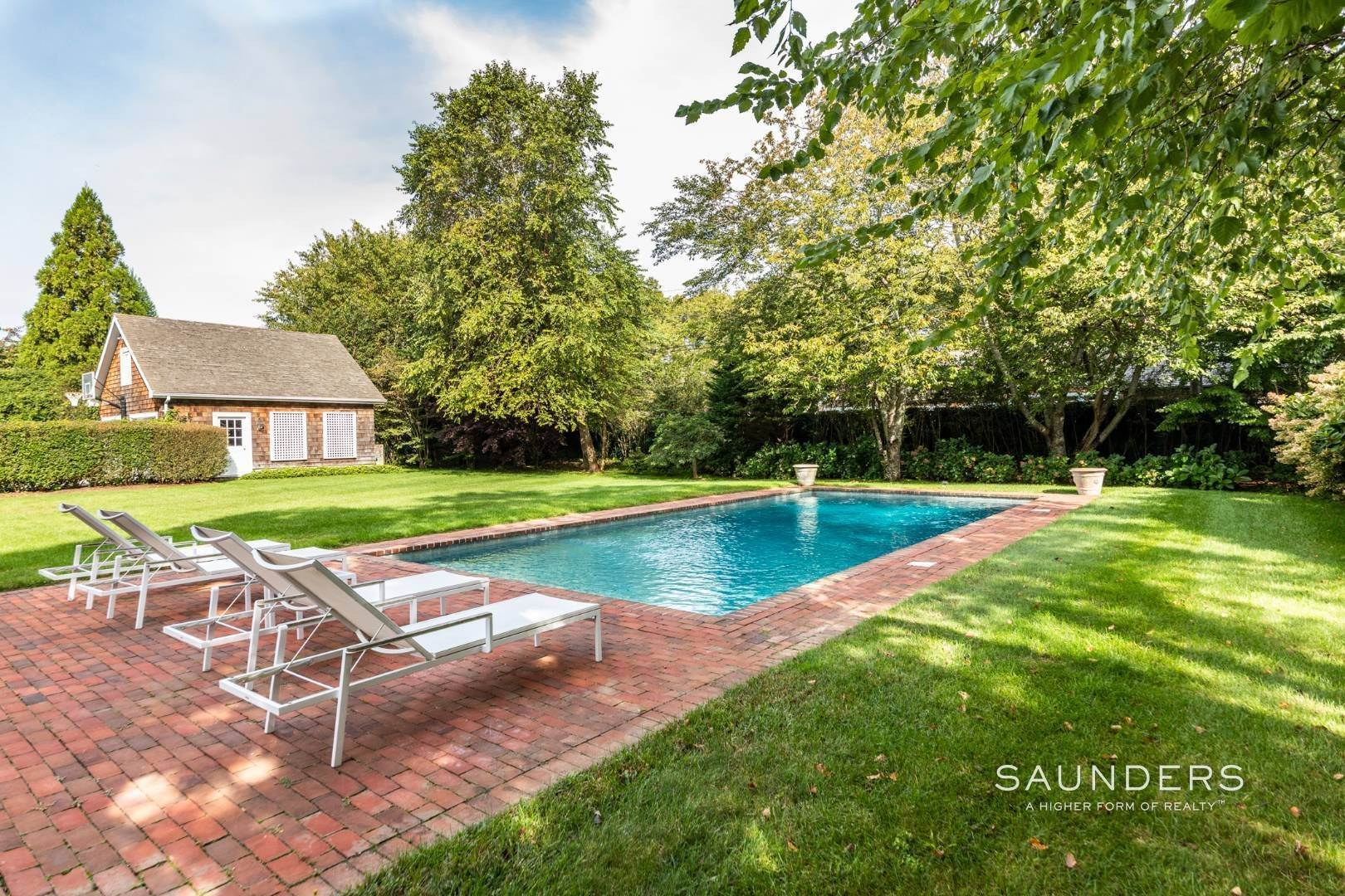 11. Single Family Homes at Beautiful Village Lane - 2 Weeks East Hampton, East Hampton Town, NY 11937