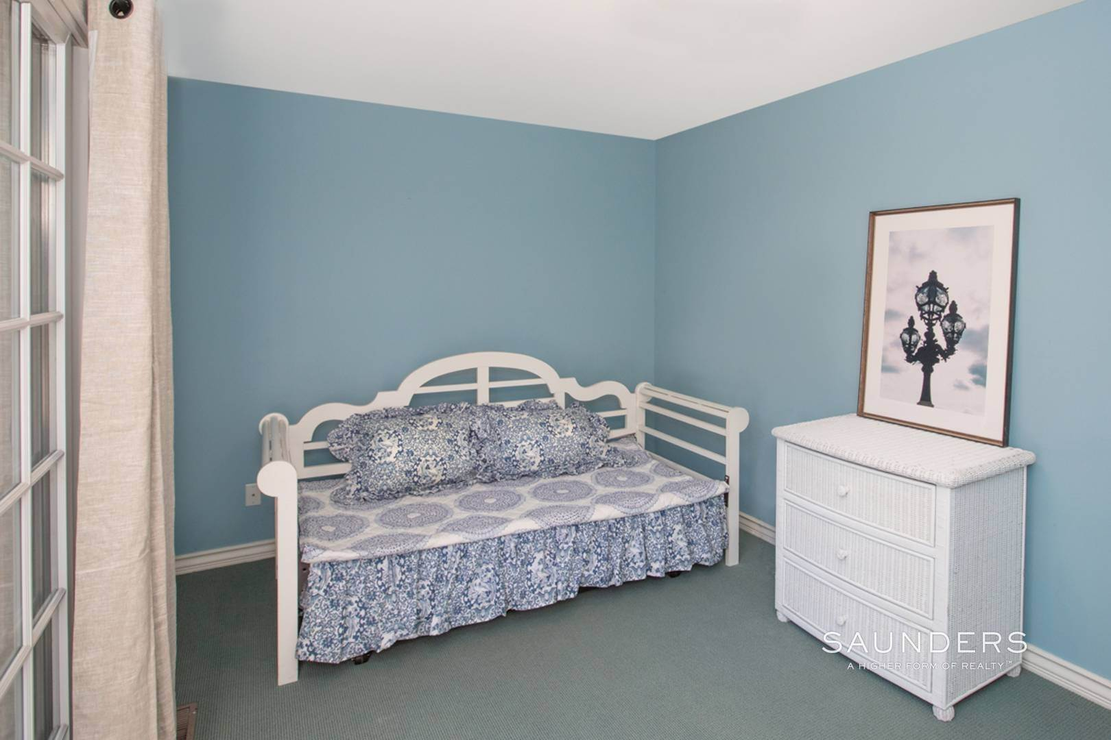 13. Single Family Homes at Southampton Village Rental In Prime Location Southampton, Southampton Town, NY 11968