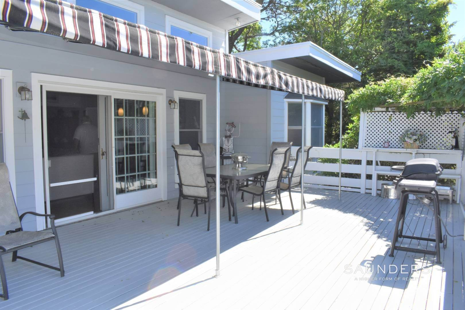 20. Single Family Homes for Sale at Southampton Hamptons Retreat With Heated Pool Southampton, Southampton Town, NY 11968