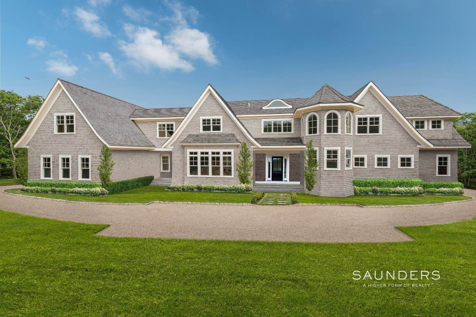 Single Family Homes for Sale at Private 2.8+/- Acre Modern Traditional 142 Middle Line Highway, Southampton, Southampton Town, NY 11968