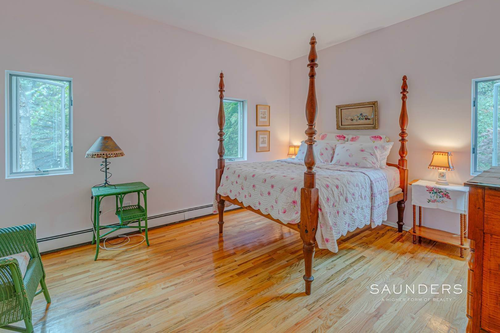 22. Single Family Homes for Sale at Convenient In Southampton 56 McGregor Drive, Southampton, Southampton Town, NY 11968