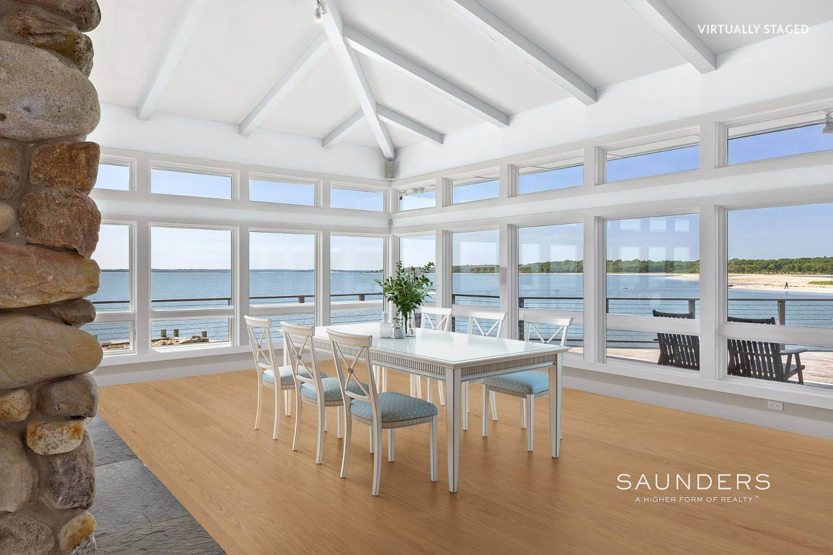12. Single Family Homes for Sale at Shelter Island Mid Century Modern Beach House With Pool Shelter Island Heights, Shelter Island, NY 11964