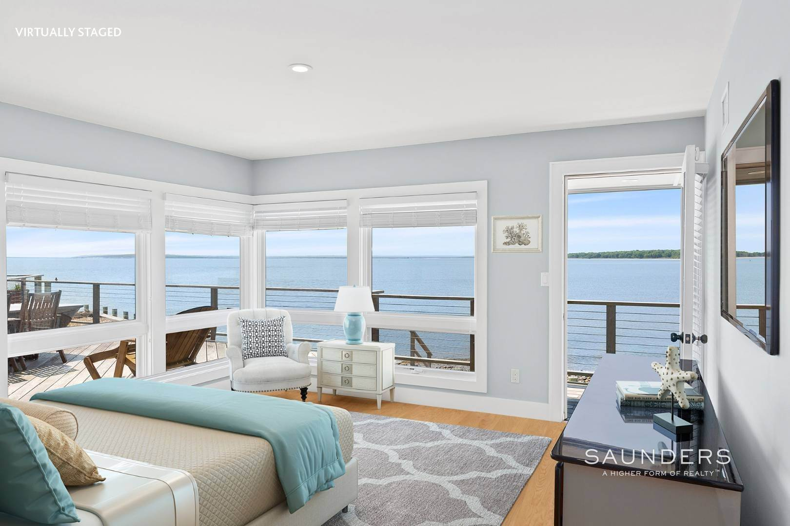 16. Single Family Homes for Sale at Shelter Island Mid Century Modern Beach House With Pool Shelter Island Heights, Shelter Island, NY 11964