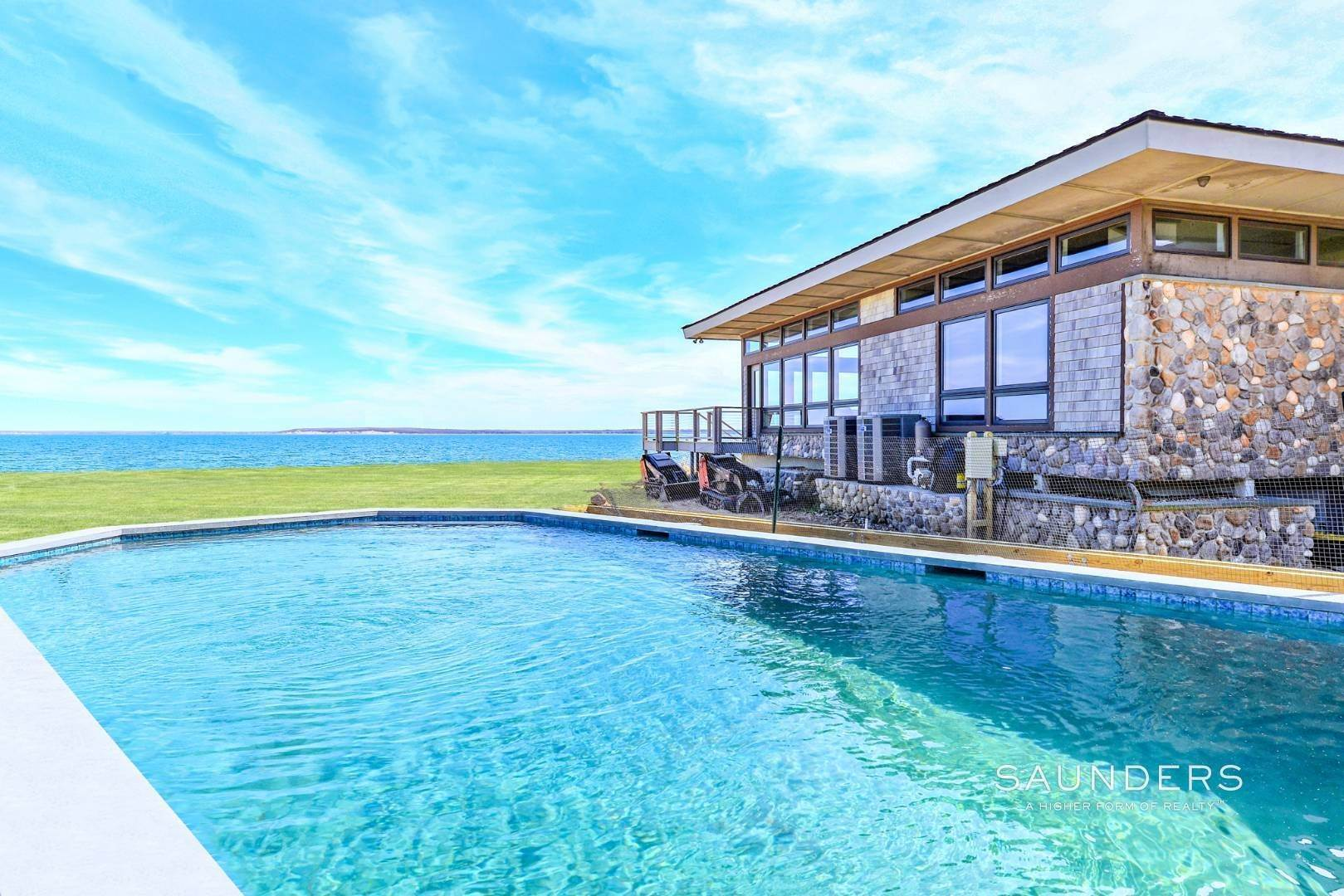 5. Single Family Homes for Sale at Shelter Island Mid Century Modern Beach House With Pool Shelter Island Heights, Shelter Island, NY 11964