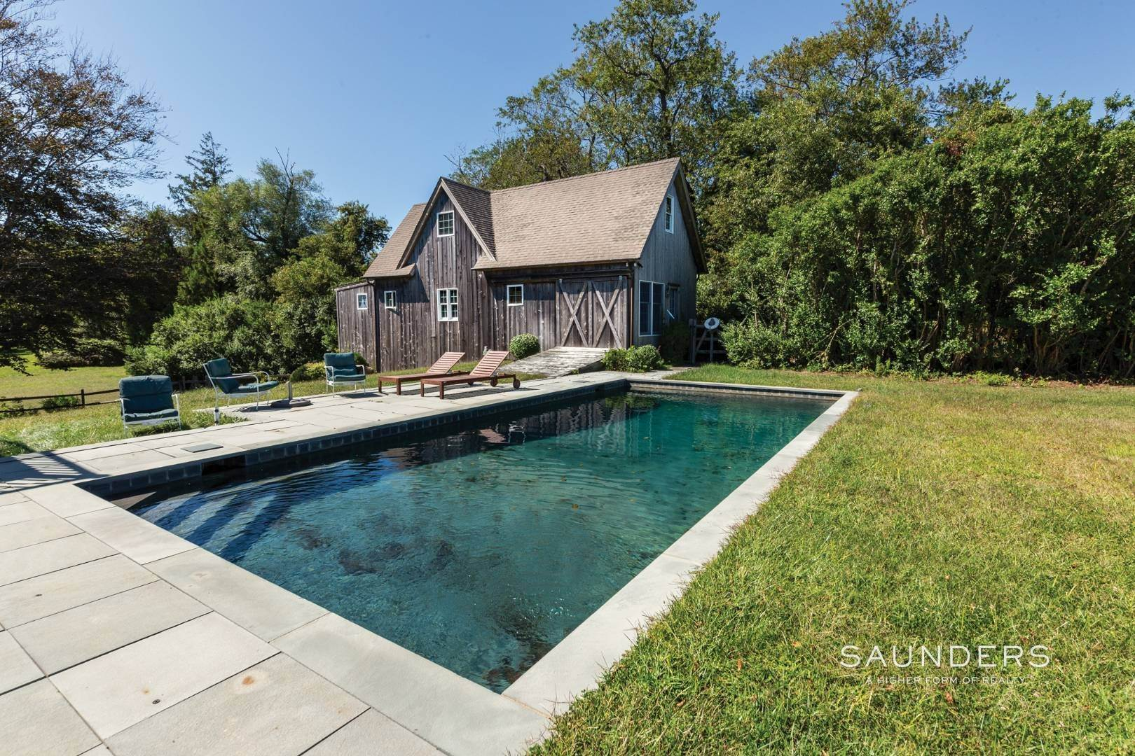 19. Single Family Homes at Stunning Shelter Island Little Ram Waterfront With Pool Shelter Island Heights, Shelter Island, NY 11964