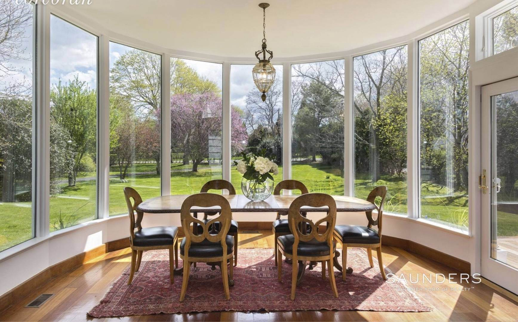 5. Single Family Homes at Lee Avenue Elegance Southampton, Southampton Town, NY 11968