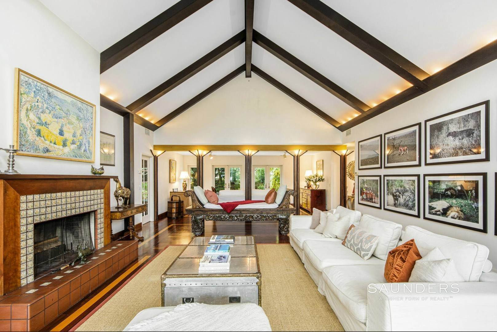 6. Single Family Homes at Lee Avenue Elegance Southampton, Southampton Town, NY 11968