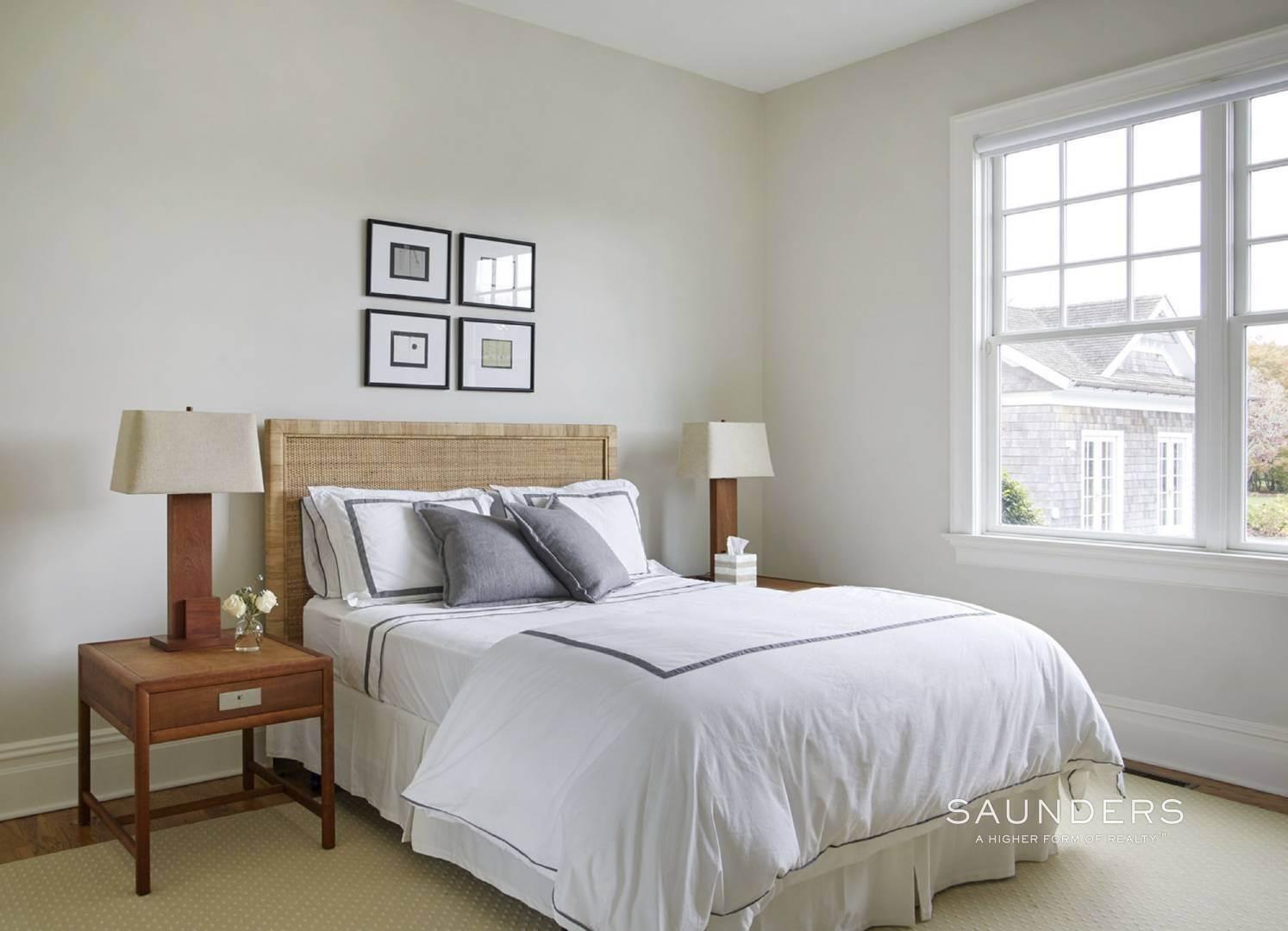 17. Single Family Homes for Sale at Southampton Village Elegance And Grace 3 Halsey Path, Southampton, Southampton Town, NY 11968