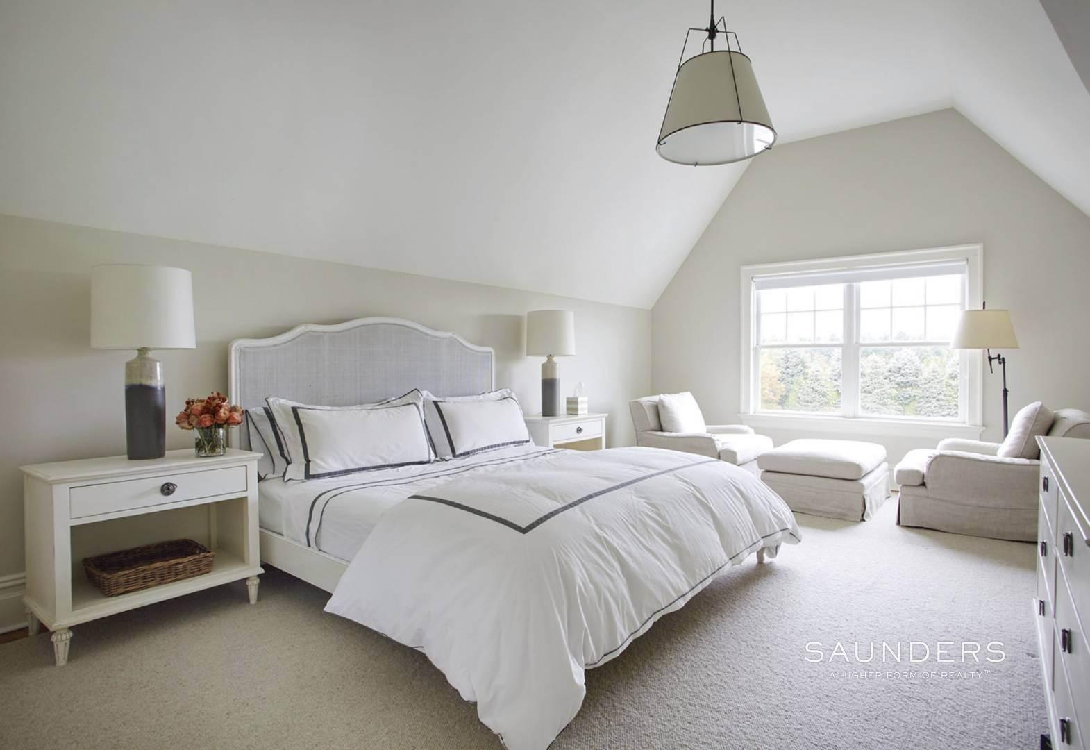 14. Single Family Homes for Sale at Southampton Village Elegance And Grace 3 Halsey Path, Southampton, Southampton Town, NY 11968