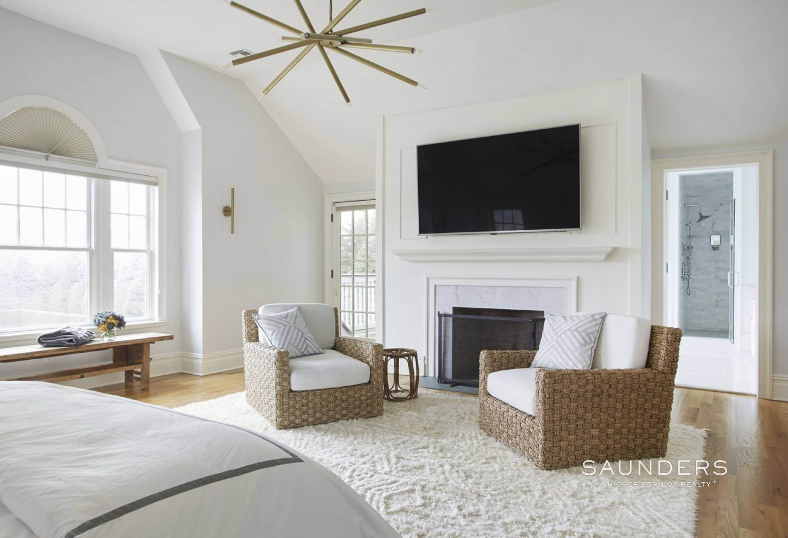 11. Single Family Homes for Sale at Southampton Village Elegance And Grace 3 Halsey Path, Southampton, Southampton Town, NY 11968