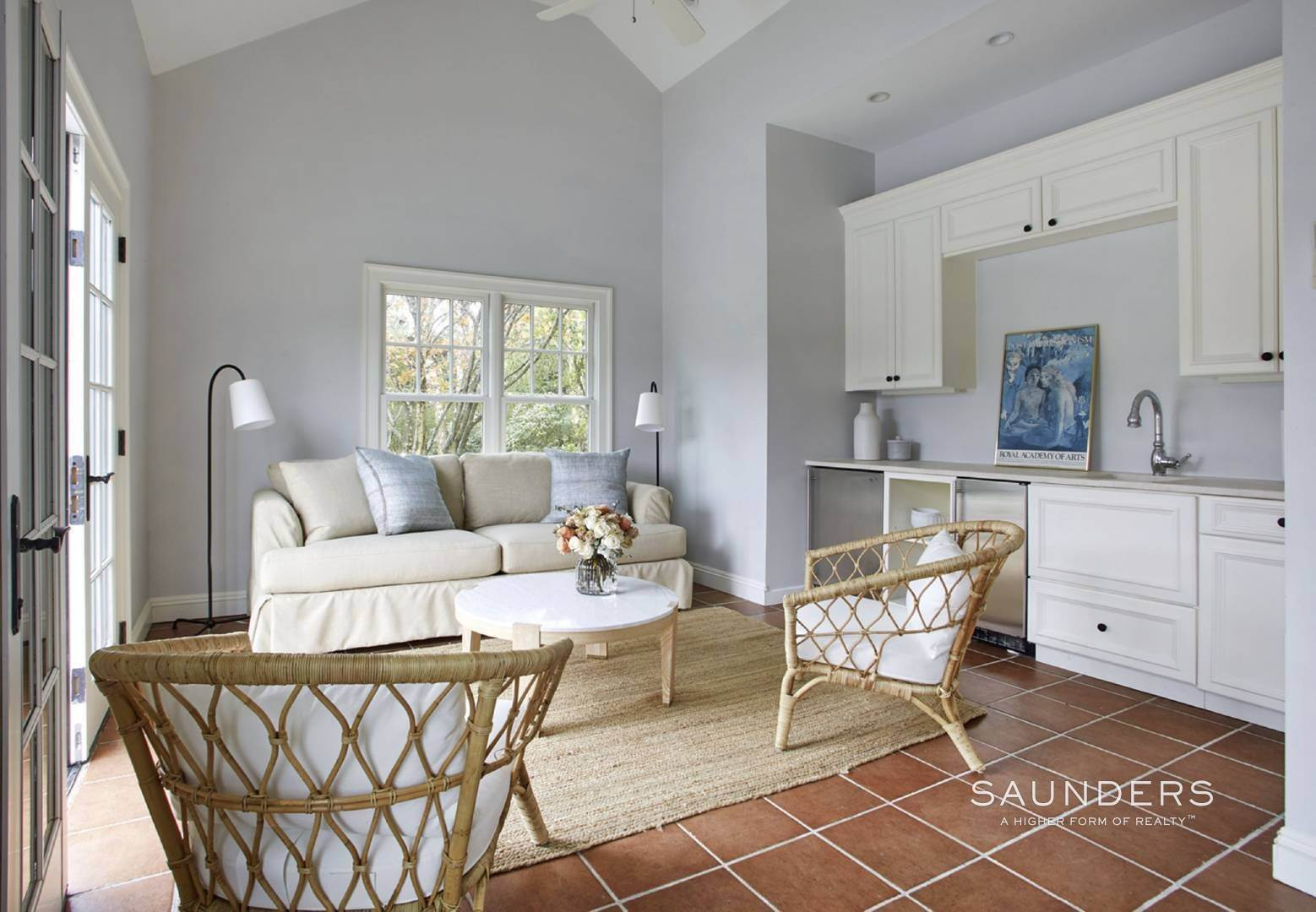 23. Single Family Homes for Sale at Southampton Village Elegance And Grace 3 Halsey Path, Southampton, Southampton Town, NY 11968