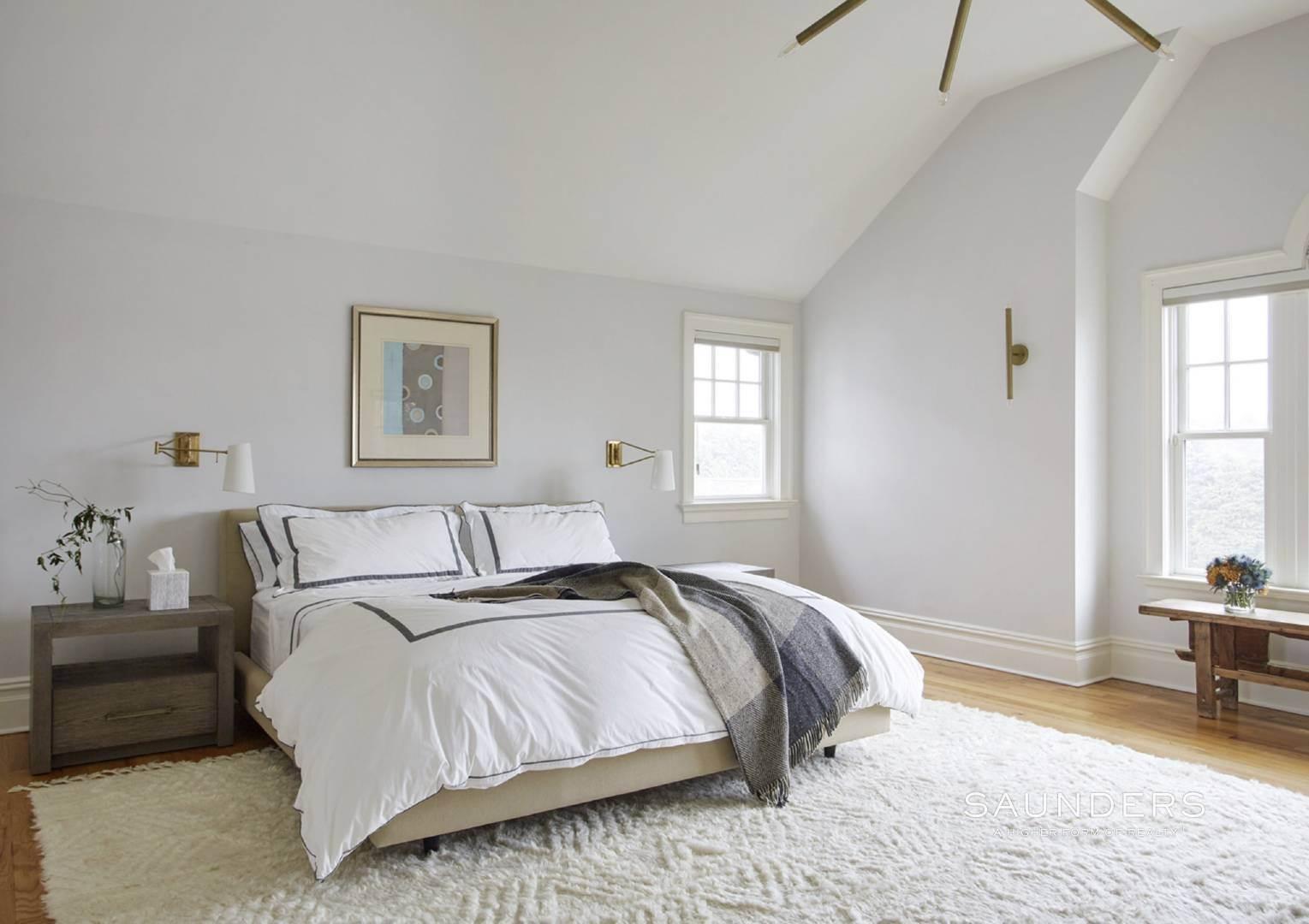 10. Single Family Homes for Sale at Southampton Village Elegance And Grace 3 Halsey Path, Southampton, Southampton Town, NY 11968