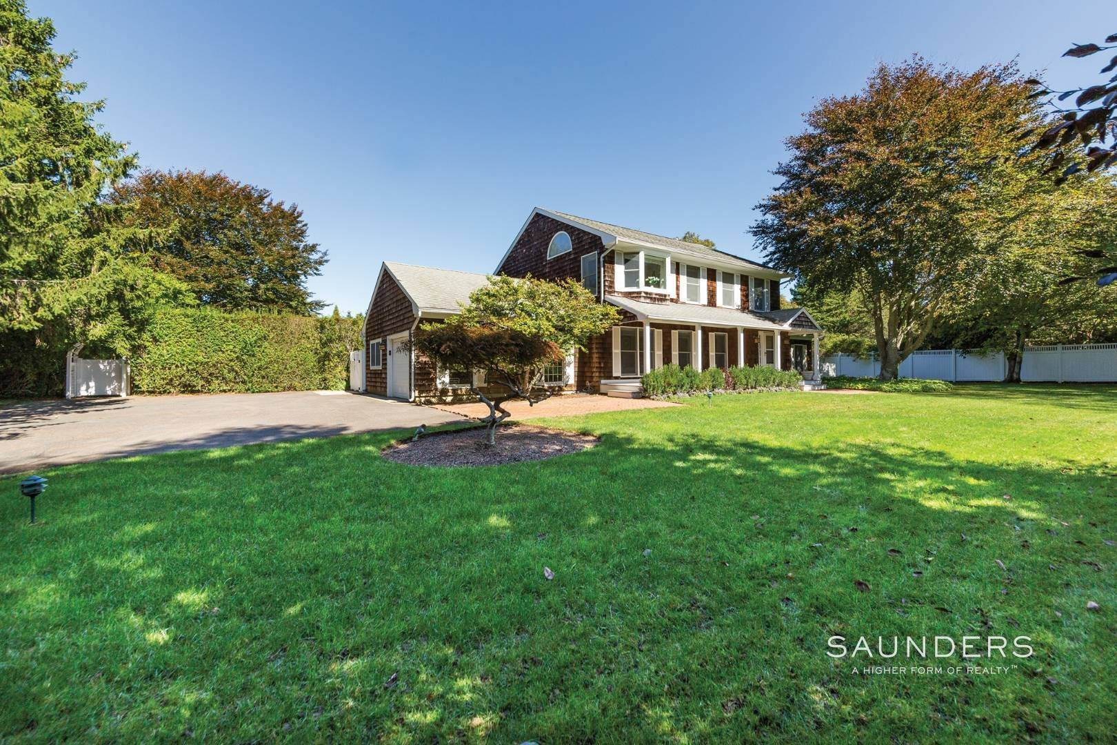 21. Single Family Homes at Classic Village Summer Home Southampton, Southampton Town, NY 11968