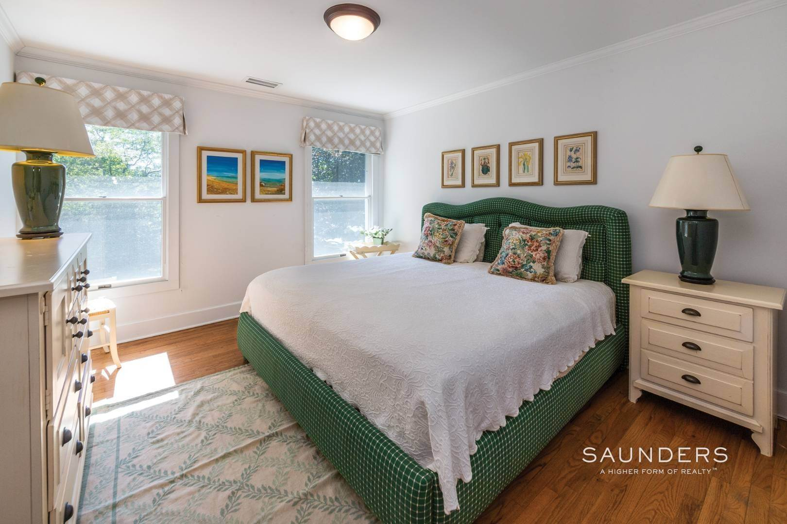 13. Single Family Homes at Classic Village Summer Home Southampton, Southampton Town, NY 11968