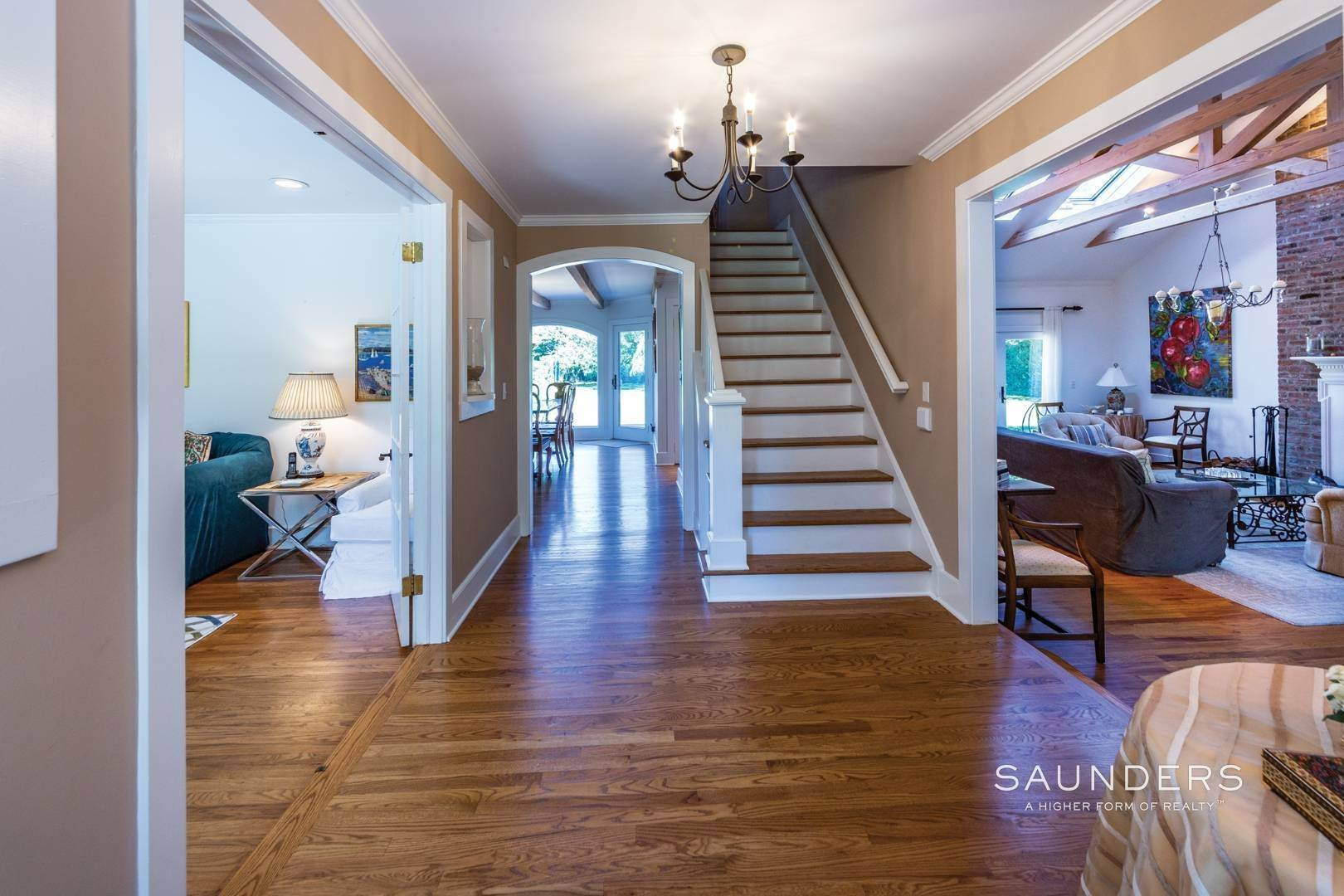 2. Single Family Homes at Classic Village Summer Home Southampton, Southampton Town, NY 11968