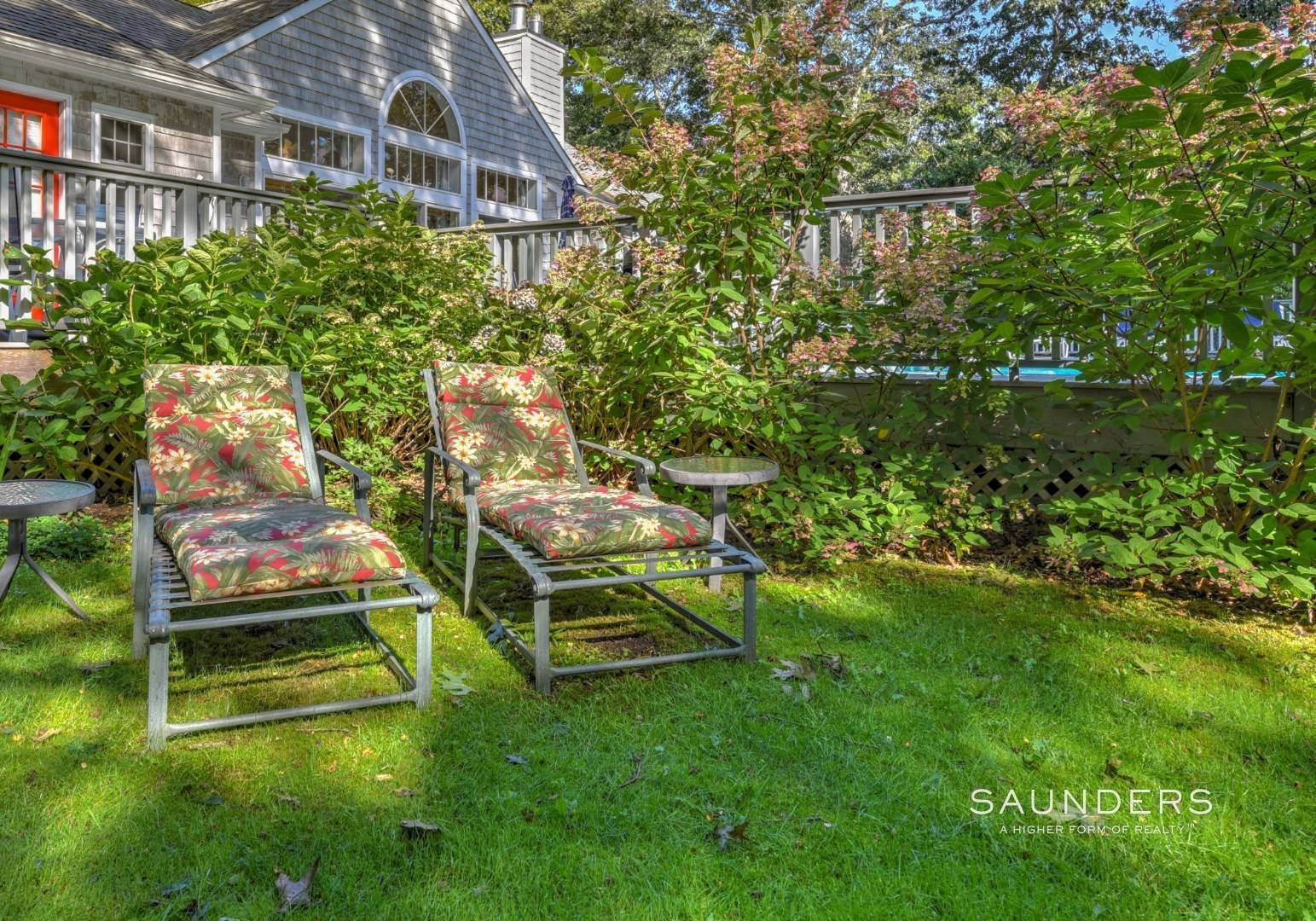 18. Single Family Homes at Beautiful And Private In East Hampton East Hampton, East Hampton Town, NY 11937